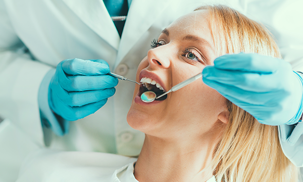 Dental Organisations Improve Services with Web Chat Software
