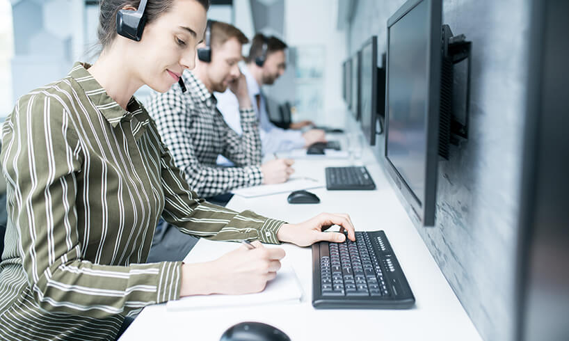 Importance of integrating live chat with your CRM