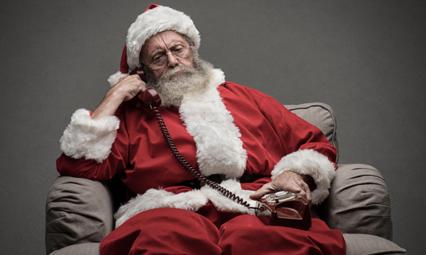 Why Santa Looks to Live Chat and Chatbots for Better Customer Service