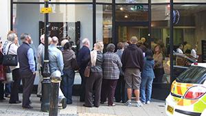 live chat facility - queues