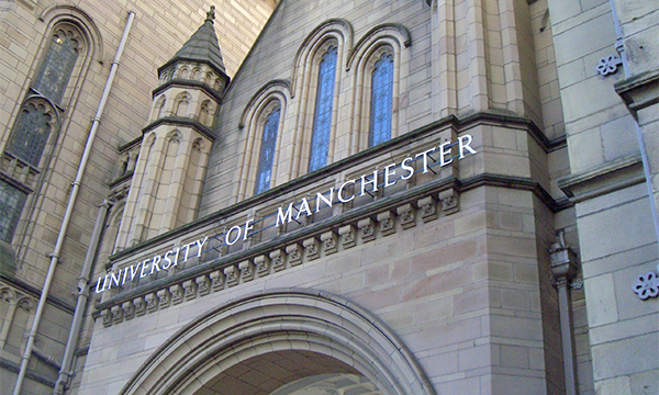 The University of Manchester Implements Live Chat on Website for Several Schools